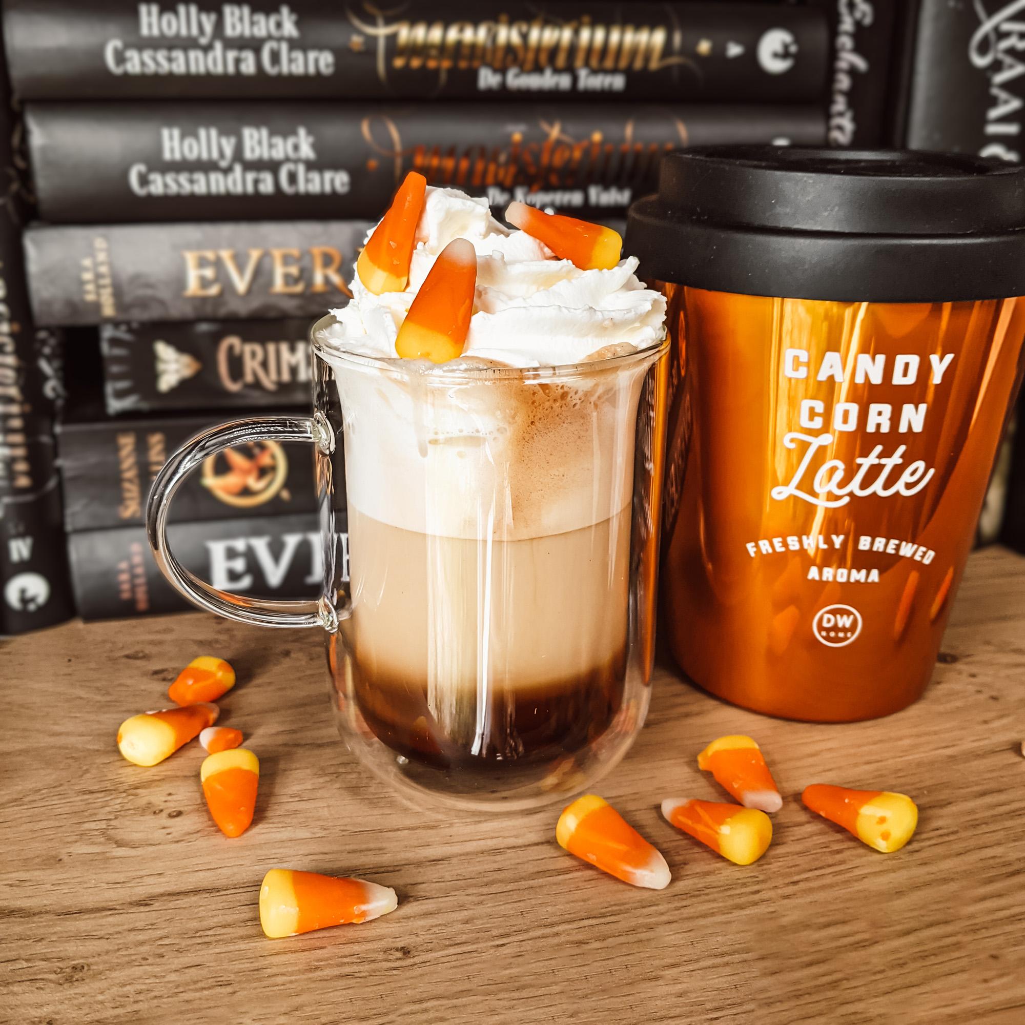 Oktoberdots Candy Corn Latte