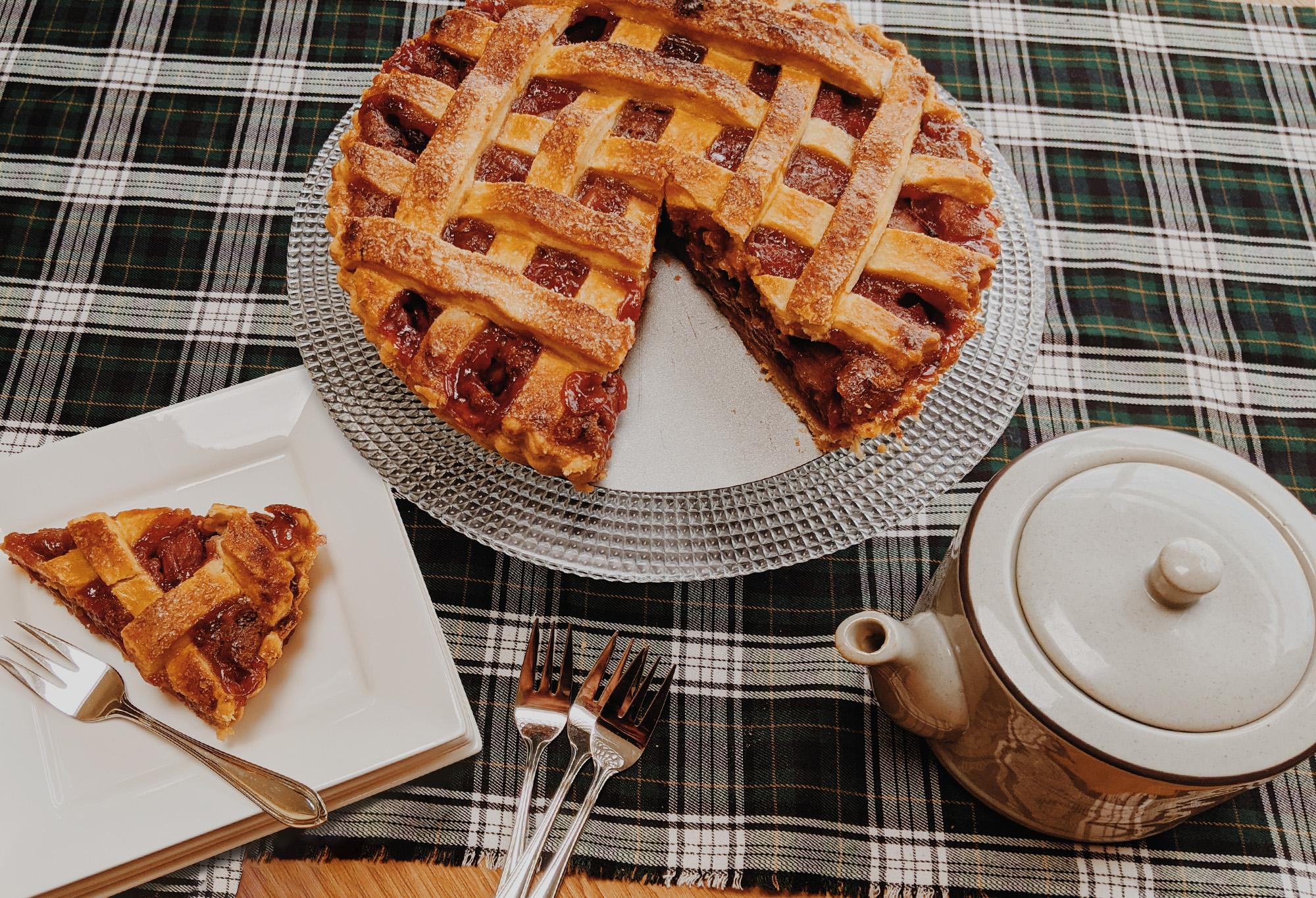 Oktoberdots Rhubarb Strawberry Pie