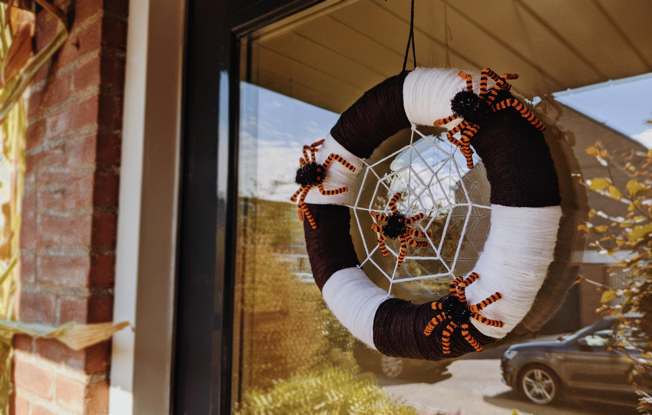 oktoberdots Halloween voordeur krans
